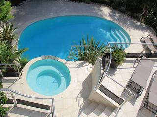 Villa contemporaine 245 m² - piscine-SPA - 10 pers, La Gaude
