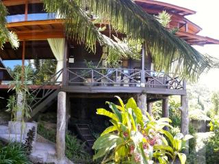 Mountain Lakeside Villa. Amazing views. Daily maid, Bedugul