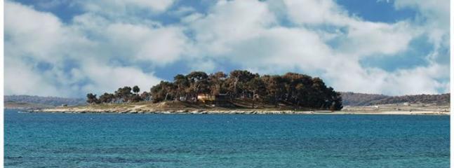 Halfisland Pineta in Medulin (on 2km)