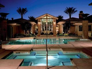 The Cliffs at Peace Canyon: 2-BR Sleeps 6, Kitchen, Las Vegas