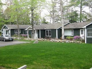 One Level Living Waterfront on Lake Winnipesaukee (SMI117W)