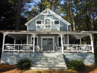 Charming Squam Lake Waterfront Vacation Rental (HOW495W), Center Harbor