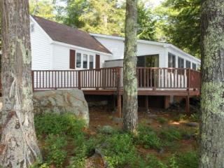 Lake Waukewan Vacation Rental in the Lakes Region (MAR8Wf), New Hampton