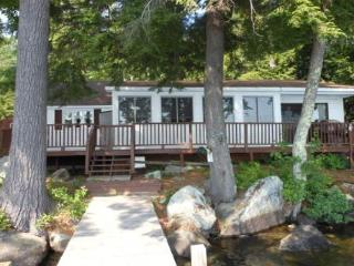 Waterfront Cottage on Lake Waukewan (MAR8Wf), New Hampton