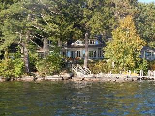 Beautiful Waterfront Vacation Luxury Home on Lake Winnipesaukee (LOK11Wf), Moultonborough