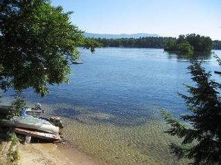Sandy Beach and Amazing Views on Black Cat Island (GOL128Wlr), Moultonborough