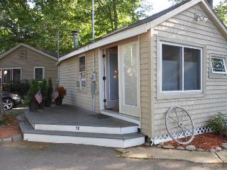 Holiday Bay Cottage on Paugus Bay/Lake Winnipesaukee (MIG12B) 5, Laconia