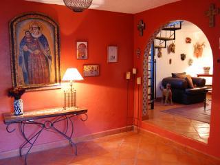 Casa Sierra Roja: Views, comfort, charm!