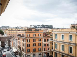 Panoramic attic in St. Peter! Rome in your hands