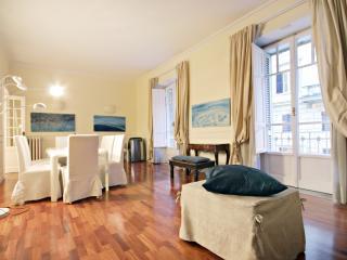Cavour prestigious apartment, Rome