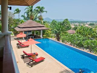Stunning 5 bed pool villa with free breakfast