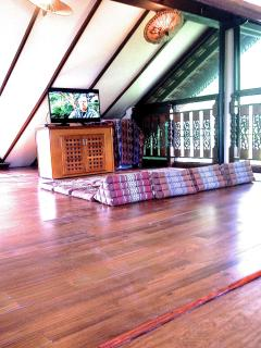 Loft with Ocean View on 3 sides and Flat Screen TV, Cable