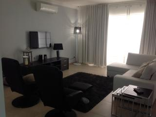 FortCambridge Luxury 2bedroomed Designer apartment, Sliema