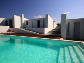 Gorgeous 6 Bedroom Villa in Paros