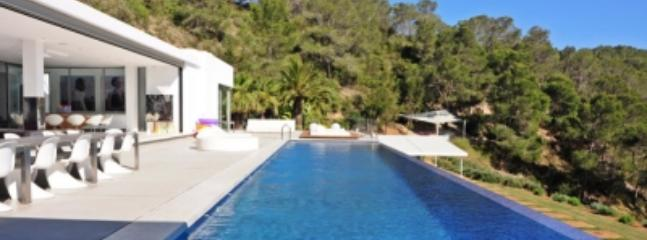 Beautiful 6 Bedroom Villa in Ibiza