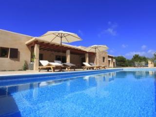 Delightful 5 Bedroom Villa in Formentera