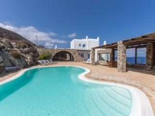 Spectacular 6 Bedroom Villa in Mykonos