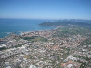 Versilia Apartment 100 mt. from the Beach, Marina di Carrara