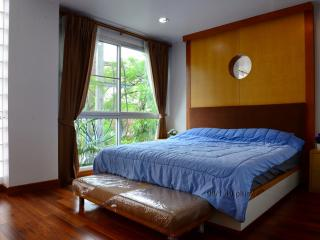 Quiet 2 BR near thonglor&Samitivej