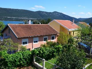 Villa Darinka, Ston