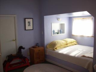 lavender room, Casa de la Pradera, Fiddletown
