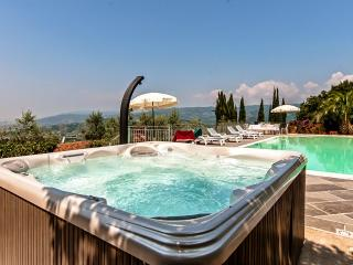 4 bedroom Villa in Monsummano Terme, Montecatini and its surrounding, Tuscany, Italy : ref 2294050