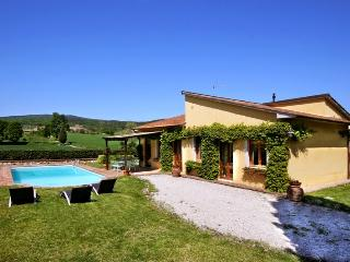 3 bedroom Villa in Monteriggioni, Siena and surroundings, Tuscany, Italy : ref 2293931, Tognazza