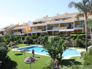 Nice Beachside Appartment amazing Pool Beach View, Marbella
