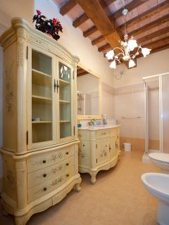 The bathroom in Raffaello Apartment