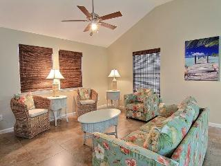 Bikini Bottom: Pet friendly, Sleeps 8, Boat Parking, Not too far from beach, Port Aransas