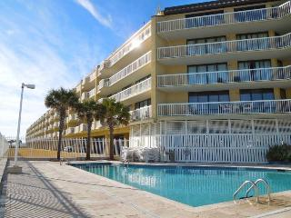 Charleston Oceanfront Villas 112 - Folly Beach, SC - 3 Beds BATHS: 3 Full