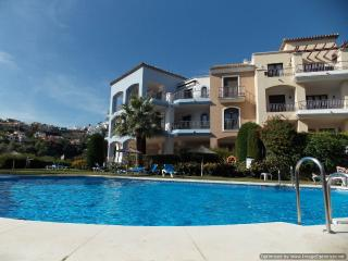 2 Bedroom Apartment Los Arqueros, Benahavís
