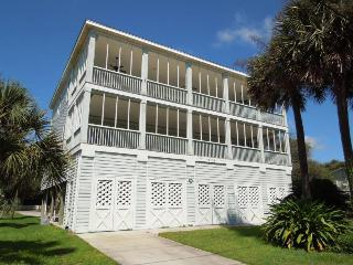 Elegant Escape - Folly Beach, SC - 4 Beds BATHS: 4 Full 2 Half