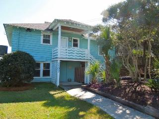 Folly Rhodes on the Beach - Downstairs - Folly Beach, SC - 2 Beds BATHS: 1 Full