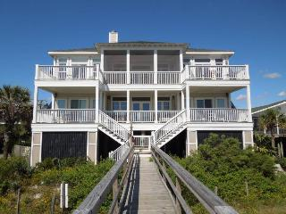 Hakuna Matata - Folly Beach, SC - 5 Beds BATHS: 3 Full 1 Half