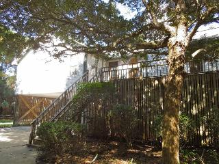 Hudson Hideaway - Folly Beach, SC - 3 Beds BATHS: 2 Full