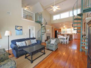 The Penthouse - Folly Beach, SC - 4 Beds BATHS: 2 Full 1 Half
