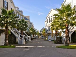 Water's Edge 118 - Folly Beach, SC - 3 Beds BATHS: 3 Full