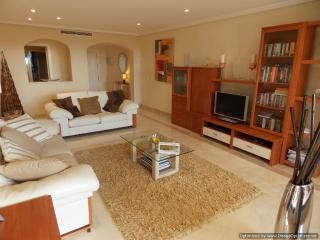3 Bedroom Triple Terrace Garden Apartment with BBQ R 109