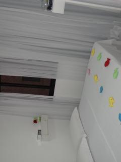 Quarto de SOLTEIRO preparado para receber CASAL , camas juntas.