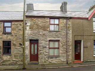 CONGL Y WAL, pet-friendly cottage with garden, woodburner, parking, in Manod near Blaenau Ffestiniog, Ref 28581