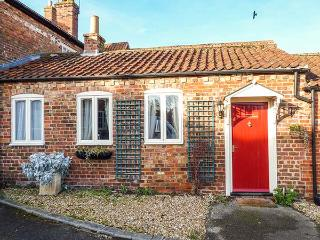 DOORBELL COTTAGE, all ground floor, ample off road parking, gravelled area, in Burgh le Marsh, Ref 921015