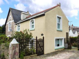 LITTLE ACRE, off road parking, great location, traditional cottage in Torquay, R