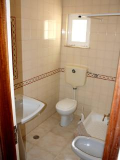 The en-suite bathroom has shower, bidet and toilet