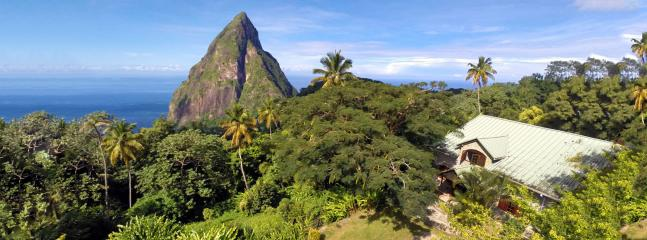 And is surrounded by lush tropical nature and breathtaking views...