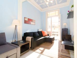 Central Neoclassical Family/Group Apartment, Thessaloniki