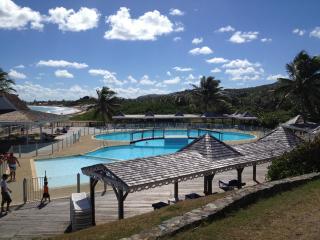 Beach Paradise, Orient Bay