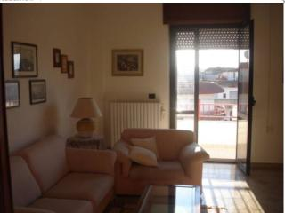 Appartamento accessoriato, in posizione strategica, Tricase