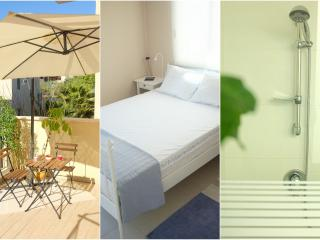 Room @ Beautiful Jaffa  w/balcony & private shower