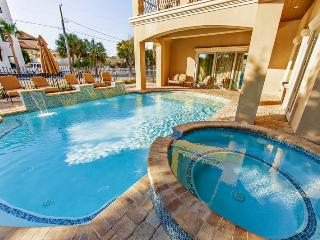 Aegean - 9 Bdrm, Sleeps 36, Private Pool/Hot Tub, Game Room